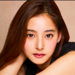 新木優子の目はくぼみでおかしい?口元や歯並びも・・・